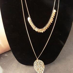 Gold tone 2 strand leaf necklace, NWOT!
